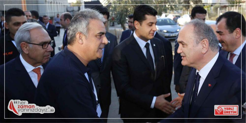 Ar-Ge Merkezi Açılışında Sayın Bakan Faruk Özlü'yü Karşılarken